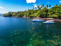 Dive into Lembeh Resort - North Sulawesi, Indonesia. Dive boats.