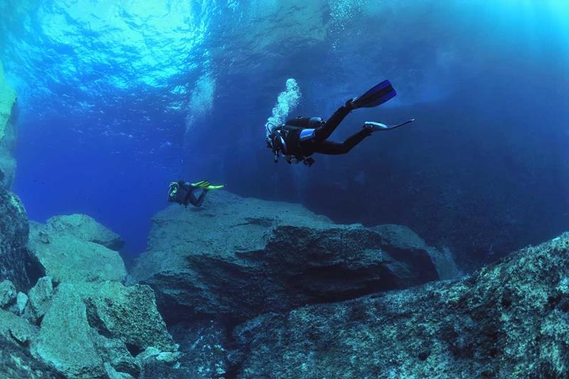 Malta gozo and comino scuba diving holidays with sportif for Gozo dive centres