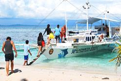 Philippines Scuba Diving Holiday. Malapascua Dive Centre. All Aboard!