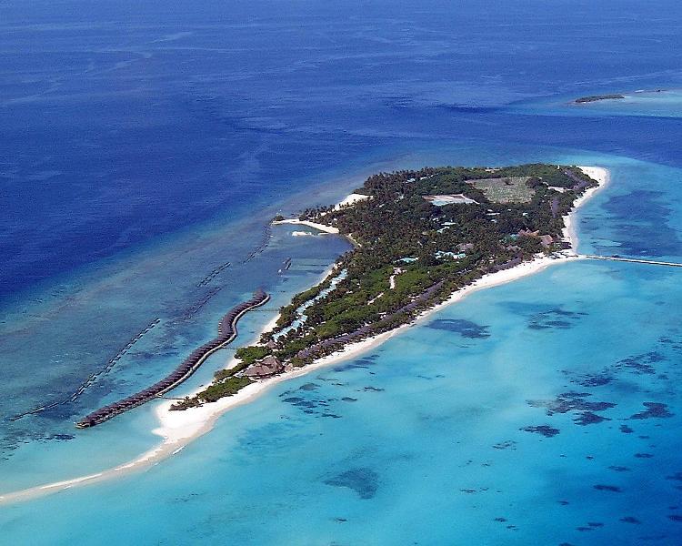 Download this Kuredu Island Resort Maldives Indian Ocean picture