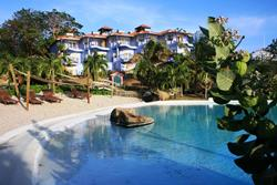 Grenada Dive Holiday. True Blue Bay Hotel - beach and villas.
