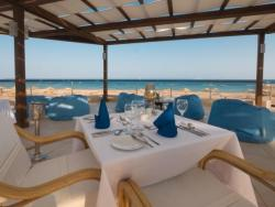 Red Sea - Safaga. Surf and Dive Lodge at Shams Beach Hotel. Restaurant terrace.