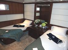 Oman Scuba Diving Holiday. Luxury Oman Aggressor Liveaboard. Deluxe Stateroom.